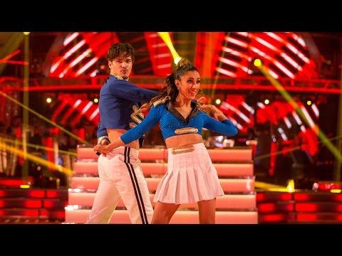 Anita Rani & Gleb Savchenko Salsa to 'Feel This Moment' - Strictly Come Dancing:  2015