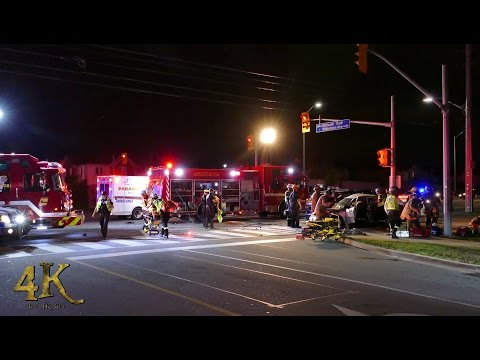 Mississauga: Emergency crews extricate & airlift crash victims 9-21-2016