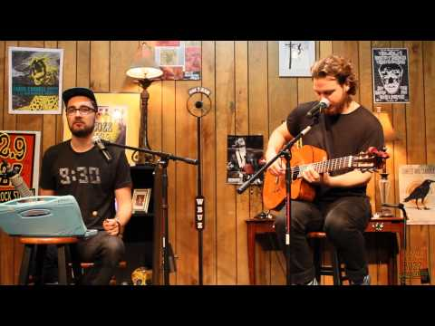 102.9 The Buzz Acoustic Session: Alt-J - Tessellate