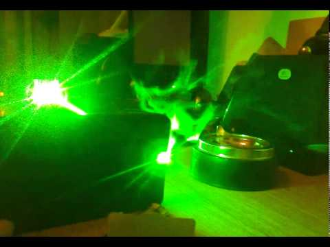 DPSS laser 2000mW diode pumped solid state laser burn.mp4