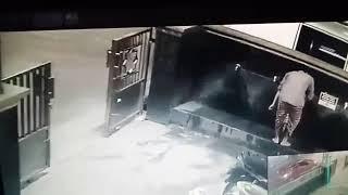Pura2 wudhu eh gak tau nya garong motor diparkiran masjid