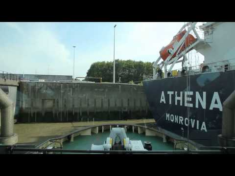 Antwerp Harbor Tug HD