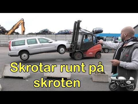 Skrotar omkring på skroten - Mopeder och bilar om vartannat
