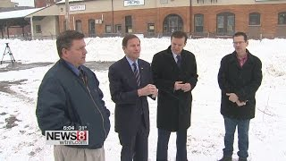 Senators Blumenthal, Murphy survey snow damage