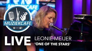 Leonie Meijer - 'One Of The Stars' live bij Muziekcafé