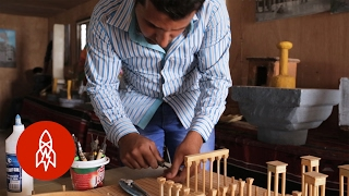 Syrian Refugees Rebuild Their Lost National Treasures to Scale