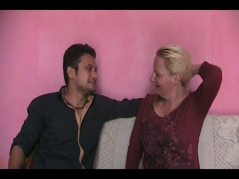 After fall in love on Facebook, American girl marry with Delhis Boy Deepak