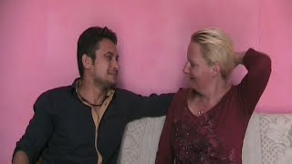 After fall in love on Facebook, The American girl marry with Delhi's Boy Deepak
