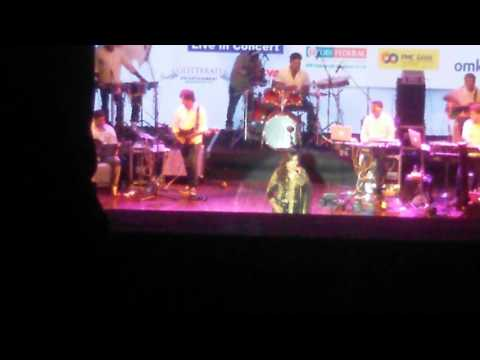 Atacha baya from siarat live by melody queen herself shreya ghoshal at shanmukhananda hall