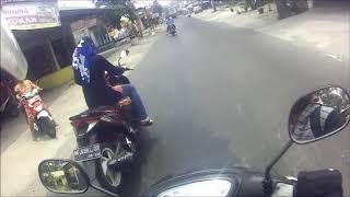Download Video Cewek hijab kelihatan CELANA DALAM saat di boncengin motor # CD KELIHATAN JELAS MP3 3GP MP4