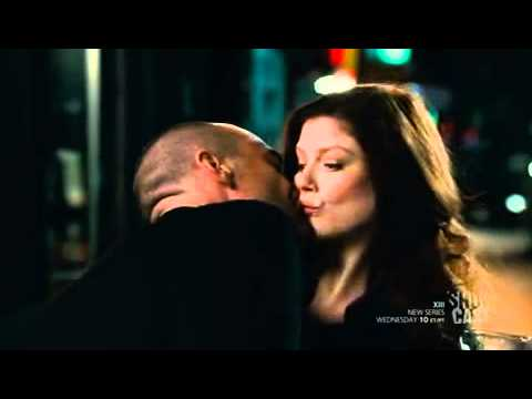 King 1x01 scene - Spears kisses King
