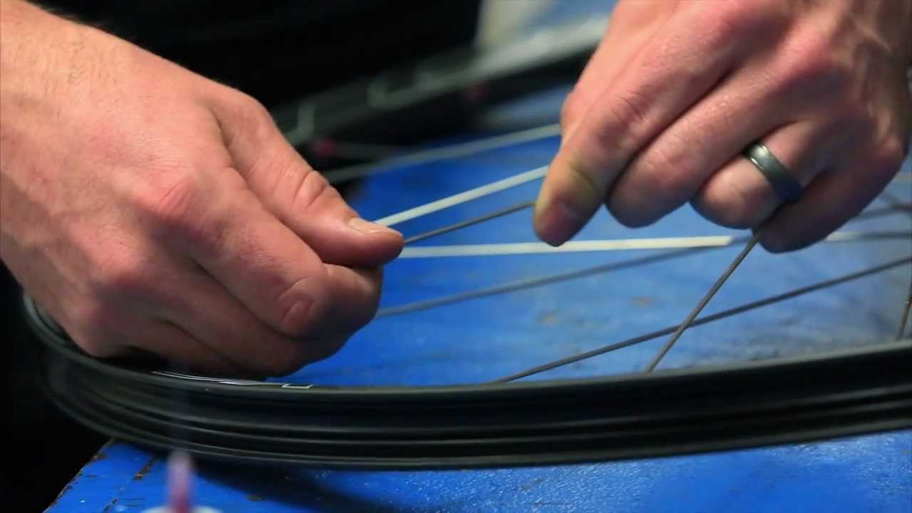 Easton Cycling: How to install a spoke in an Easton tubeless wheel ...
