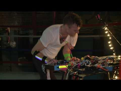 Rich Aucoin Halifax Pop Explosion 2009: Crowd jumpin