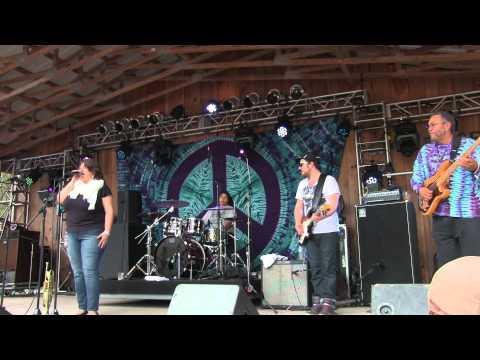 Jennifer Hartswick Band 11/17/13 (Part 1 of 2) Bear Creek Music Festival with George Porter