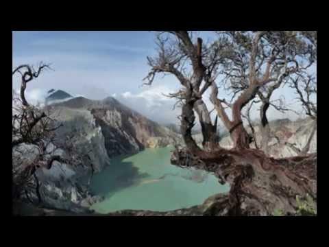 wisata-gunung-blue-fire-kawah-ijen-bannyuwangi