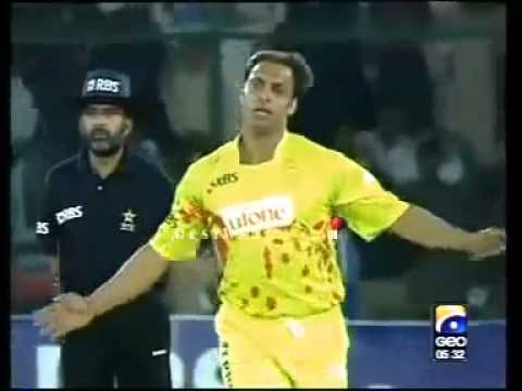 Shoaib Akhtar destroyed Mohammad Hafeez Stumps flying  Islamabad VS Faislabad Wolve