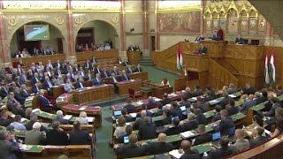 Hungarians vote on controversial migrant referendum
