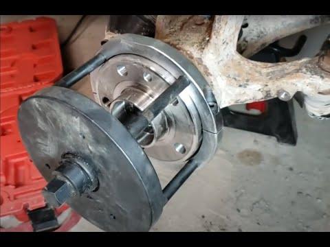 2008+ Volvo XC70 Front wheel bearings DIY replacement Gen2 82mm using eBay tool.