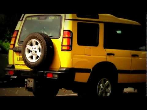 Land Rover Discovery G4 Yellow.