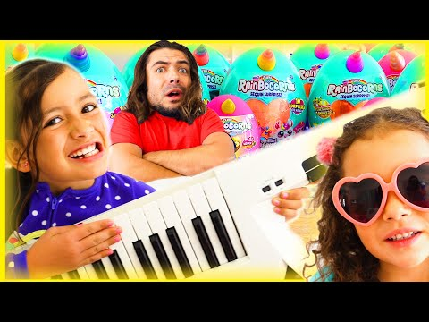 Zoey And Ashlynn Create NEW Rainbocorns With Musical Magic!