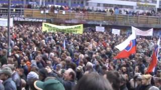 Protestierende Milcherzeuger im Schulterschluß: Bauerndemo in Prag, 12. März 2009