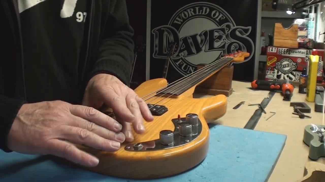 Download G&L L 1000 Fretless Bass Guitar 1981