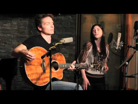 Richard Marx and Sara Niemietz -
