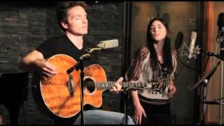 "Richard Marx and Sara Niemietz - ""Keep Coming Back"" (Live)"