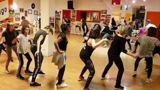 Gambar cover Moussa Camara danseur et ses cours afro moderne du lundi à l'école Colmard de chatenoy le royal
