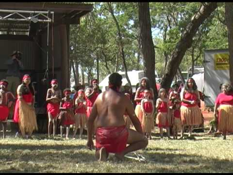 Kawanji Aboriginal dance group from Cairns, Australia (4)