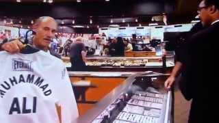 MUHAMMAD ALI JR. GETTING RIPPED OFF BY THIEF LES GOLD AT HARDCORE PAWN DETROIT USA