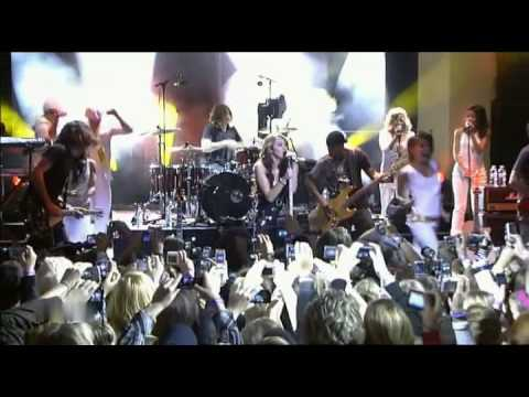 Miley Cyrus - Breakout HQ (Live In Berlin, Germany)