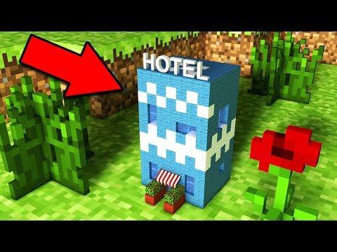 НУБ ПОСТРОИЛ САМЫЙ МАЛЕНЬКИЙ ОТЕЛЬ В Майнкрафт постройка и троллинг нуба Minecraft Мультик для детей