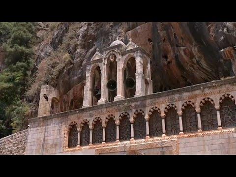دير القديس أنطونيوس قزحيا في لبنان: ملجأ لمسيحيين من الشرق الأوسط في أيام الشدة …