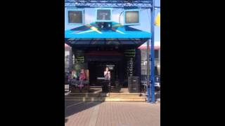 8 year old singing Rolling in the Deep by Adele at Niagara Falls Beer Garden Karaoke Patio
