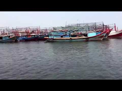 Arriving back to the Jakarta fishing harbor.