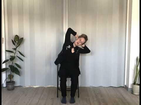Yogapraksis på stol