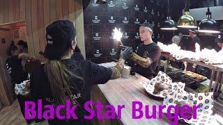 Смотреть видео Куда сходить в Москве: Вся правда о Black Star Burger онлайн