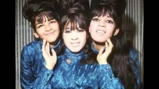 Watch Ronettes Walking In The Rain video