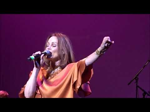 "Belinda Carlisle ""Heaven Is a Place On Earth"" Jul 14 2018 Englewood NJ Retro Futura Tour"