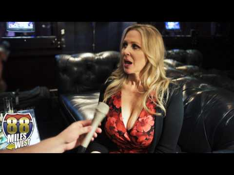 Julia Ann interview at the Adult Entertainment Expo 2017 thumbnail