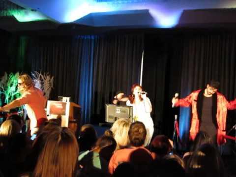 TVD Dallas Con - 8/19/16 - Karaoke: Girl's Just Wanna Have Fun