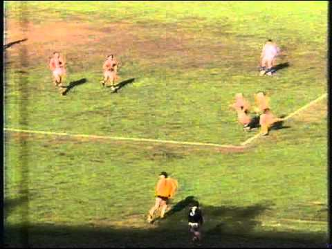 Tony Lockett kicks goal # 99 and 100 in 1992