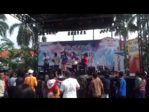 Download LINA MARLINA - COWOK GELO PERFOMED at MNCTV PARADE 100 ARTIS DANGDUT Mp4 baru