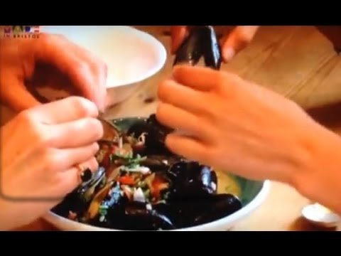 How to cook mussels with ginger, tomato, chilli & coriander: Made in Bristol TV recipes