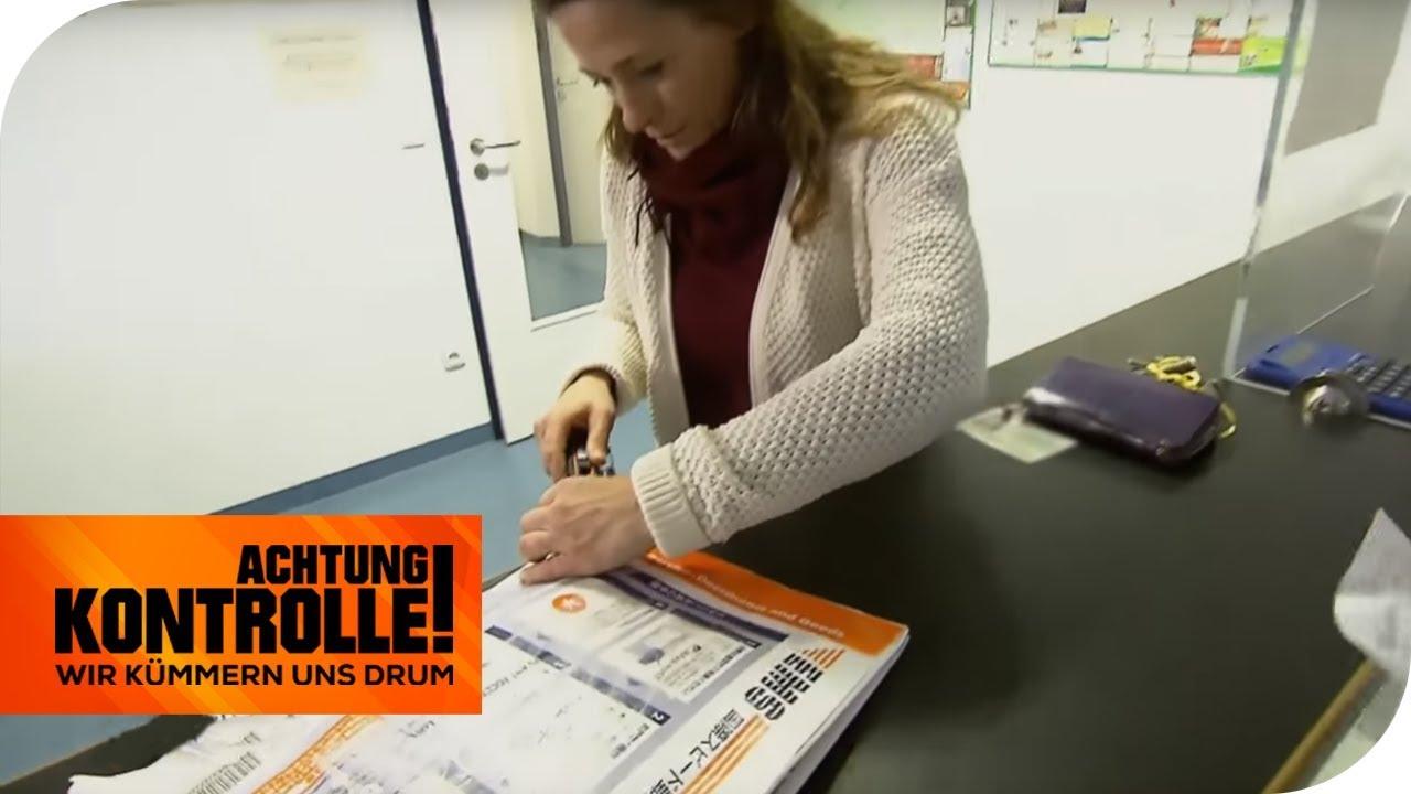 im zoll: gefälschte markenware aus dem ausland? | achtung kontrolle | kabel  eins