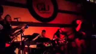 Đừng Nhìn Lại - Tiến Trung singer - G4U CAFE (9-5-14)