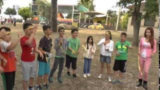 Δυο ομάδες σε συνεργασία: Παραδοσιακά ομαδικά παιχνίδια.