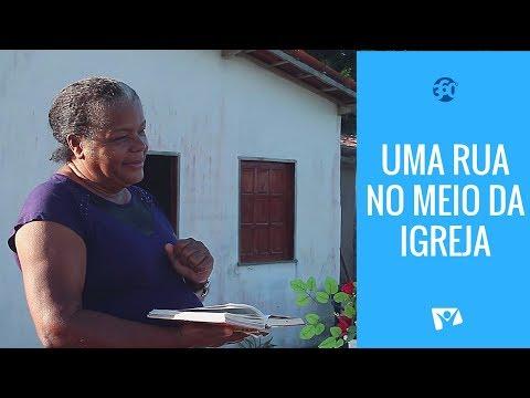 Uma Rua no meio da Igreja (Bahia, Brasil)