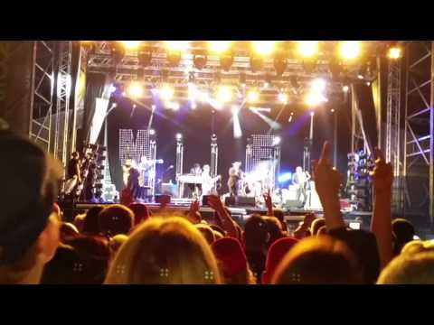 Madness live@Doncaster Racecourse 27th June 2015
